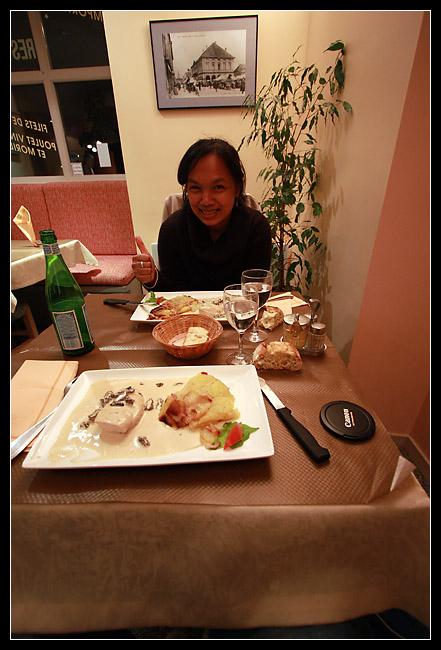 Les fameux filets de poulet au vin jaune et morilles, avec leur Roesti... mmm!